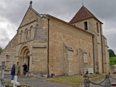 sainte-colombe-37502-eglise-romane-de-sainte-colombe-gironde-aquitaine.jpg